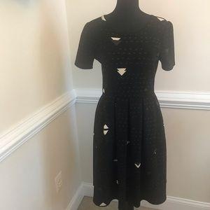 EUC LuLaRoe Amelia Geometric Dress Black